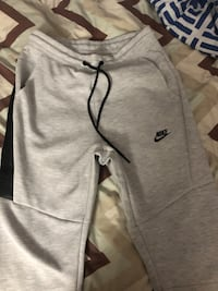 Nike Tech Fleece Joggers Toronto, M1L 2R5
