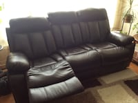Brown leather 3-seat recliner sofa Brampton, L6S 3E6
