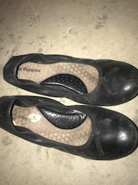 Woman's HUSH PUPPIES flats size 9 Surrey