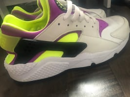 Nike Huraches Men Size 10