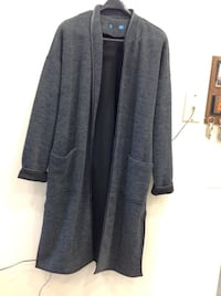 Very elegant women's gray coat mint conditions size large from Australia Hamilton, L8V 4K6