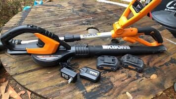 Worx  weed eater /. Blower/sweeper. Combo