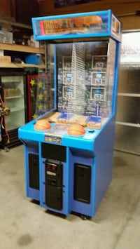 """ Hoop it up ""basketball arcade"