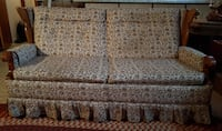 Antique Sofa with Vintage Print Châteauguay