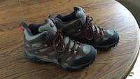 Size 7 Merrell hiking boots