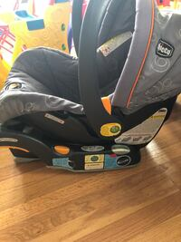 Chicco Infant Car seat with Base  Bowie, 20721