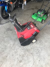 Red and black toro snow blower McHenry, 60050