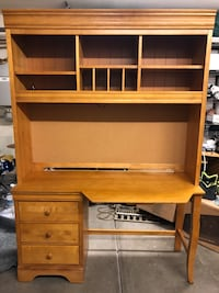 Stanley Furniture Desk with Hutch