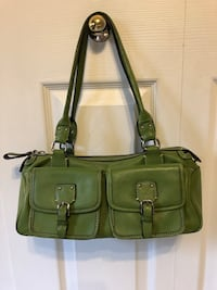 green leather 2-way handbag Strathroy-Caradoc, N7G 4B1