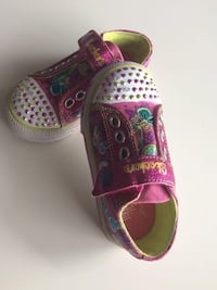 Skechers size : 7 Like new, worn a couple of times only. Gatineau, J9J