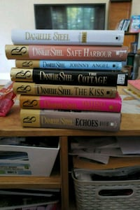 Assorted hardcover Danielle Steel books Hamilton, L8T 4G8