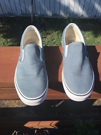 Pair of gray slip-on shoes Winnipeg, R2J 2W3