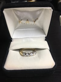 Stunning 1karat yellow gold 14k ring, buy your last something nice, I'll meet you at a jewelry store to confirm it's real Clarksville, 37043