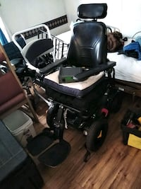Electric wheel chair and charger $700 or best offer medical bed $475 Albuquerque