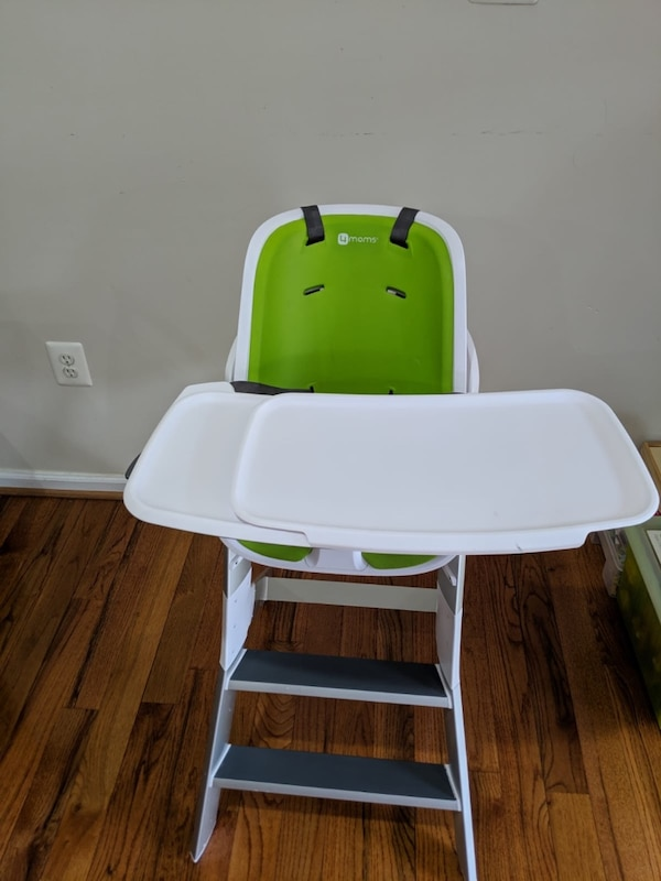 4moms high chair - easy to clean with magnetic, one-handed tray attachment 2