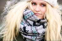 Chunky Infinity scarf gre nordic deer sweater knit Toronto, M5A 3R3