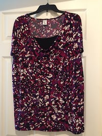 Purple, white, black and pink.  Plus size 2x Kissimmee, 34746