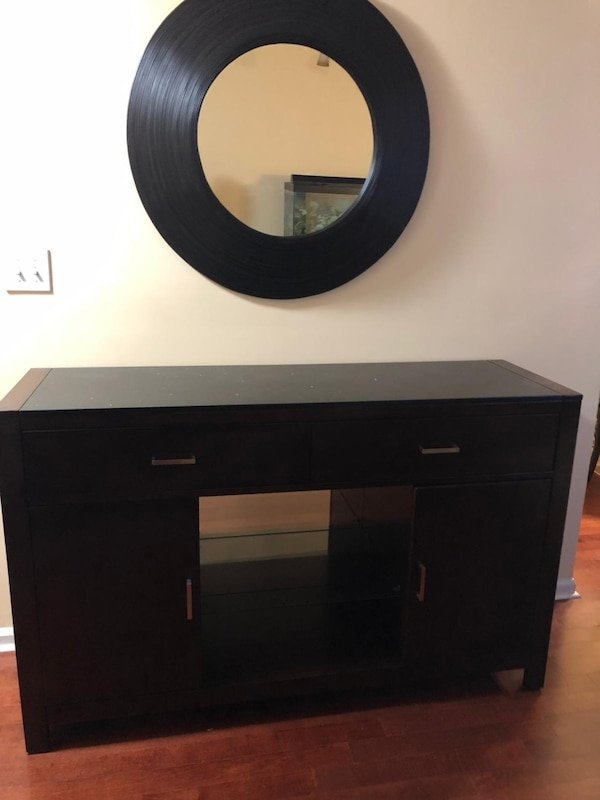 Mirror with table with drawers  be05fb47-e0a3-46ff-a4fb-b78097ac59ac