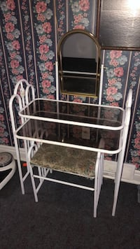 Make up table with chair  Brampton, L6X 1Y3