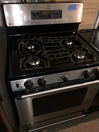 GE STAINLESS STEEL GAS RANGE WORKING PERFECTLY 75 km