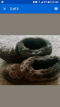 pair of brown fur boots Glen Burnie