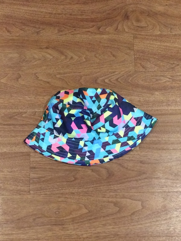 400cbf8cd793e Used Colourful Bucket Hat for sale in London - letgo