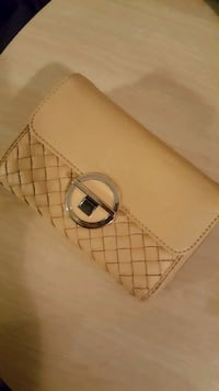 Womens Leather Wallet  Surrey, V3S 0S3
