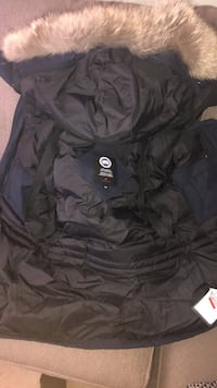 Medium females Canada goose jacket  Hamilton, L8W