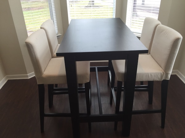 Used Bar Table Stools All Like New For In Spring