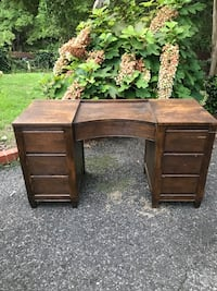 """1950's Oak Desk with 7 drawers..48""""w..26""""h..18""""d Homewood, 35209"""