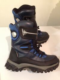 Snow/ winter boots size 3 youth Burnaby, V3N 1E3
