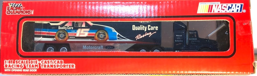 Lake Speed #15 Quality Ford & Bud Moore NASCAR 1:87 Transporter f91f4e78-ddbf-4b71-84a2-8b130f454504
