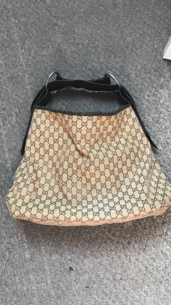 2ad032b2cba70 Used beige Gucci leather hobo bag for sale in Great Neck - letgo