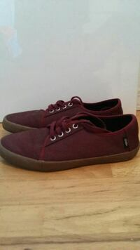 Maroon Vans Richmond, V7A 3M5