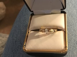 10kt gold marquise diamond ring