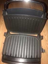 George foreman Grilling machine, small size North Vancouver, V7K 2H4