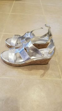 Girl's sandals,  available in size 3 and 4. Springfield, 22153