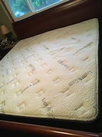 Logan & Cove Queen Size Mattress - New Condition  Burnaby