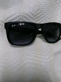 black framed Ray-Ban  sunglasses Winthrop, 02152