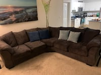 Gray sectional couch  Alexandria, 22304