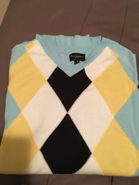 Burberry sweater - Men's medium Burnaby, V5G 1G1