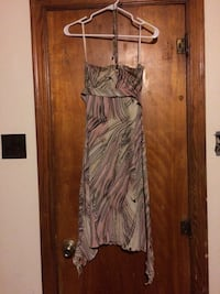 Beautifully printed strapless neck-tie dress - like new condition! Hazleton