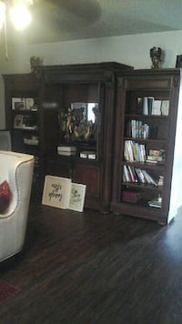 Brown wood book shelf 3 pcs Fort Worth, 76134