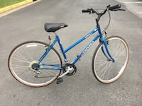 Bike women Hybrid size 26 Excellent $60 Leesburg, 20176