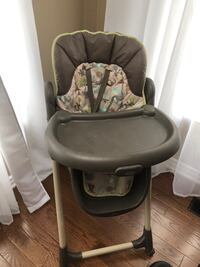 High chair Oshawa, L1K 2G5