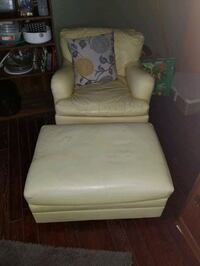 Yellow leather chair with ottoman Woodstock, N4V 1G2