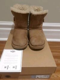 UGG BOOTS -  kids size 2 Youth Toronto, M1R 4E6