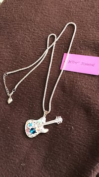 silver-colored chain necklace with guitar pendant Mukilteo, 98275