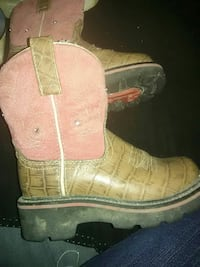 Size 12 kids country boots New Castle, 47362