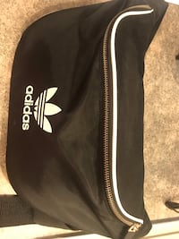 Black and white adidas duffel bag Janesville, 53548